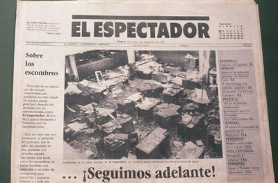 """Capa do jornal """"El Espectador"""" no dia seguinte ao atentado"""
