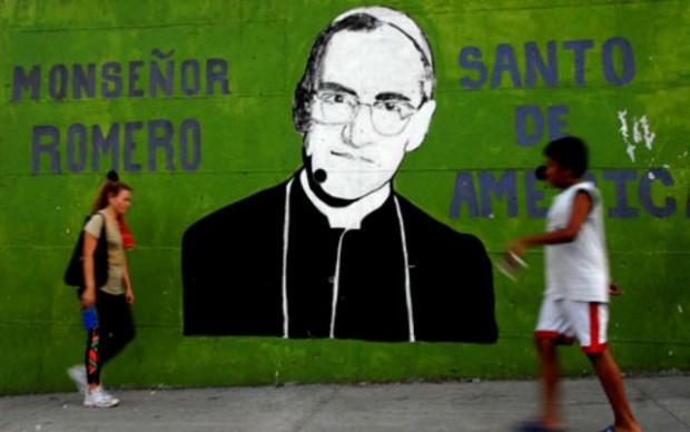Muro com grafite do Monsenhor Romero, em El Salvador