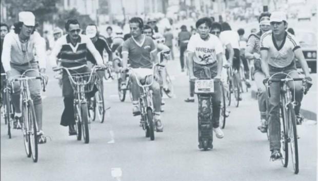 Imagem da ciclovia de Bogotá, em 1974 (Foto El Tiempo)
