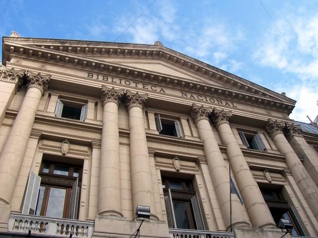 Fachada da antiga sede da Biblioteca Nacional, no bairro de San Telmo (Foto Reprodução)