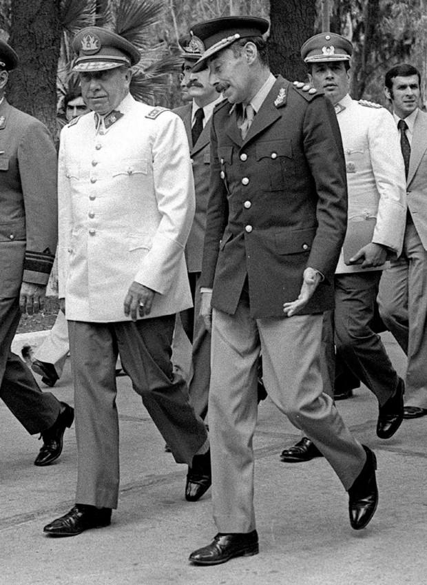 Os ditadores Augusto Pinochet, do Chile, e Jorge Rafael Videla, da Argentina (Foto Divulgação)
