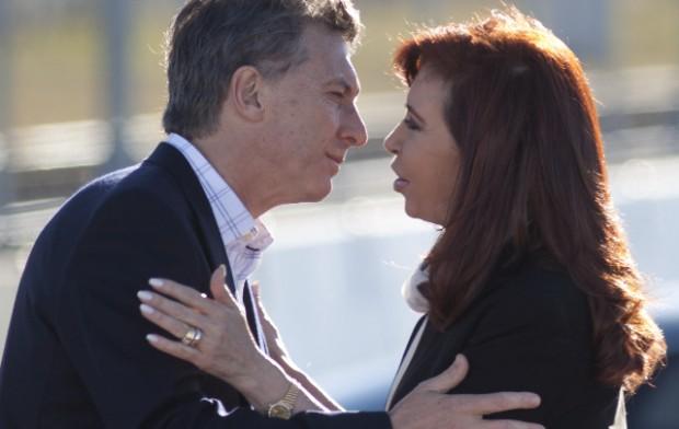 """Mauricio Macri e Cristina Kirchner, oito anos entre provocações e agrados (Foto """"Clarín"""")"""