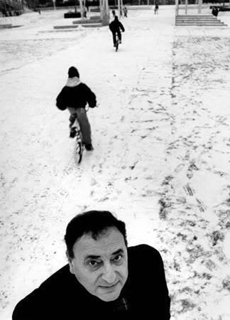 O escritor argentino Juan José Saer (Foto Divulgação)