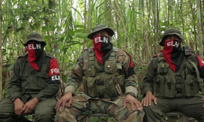 Guerrilheiros do ELN, ainda em atividade na Colômbia (Foto El Espectador)