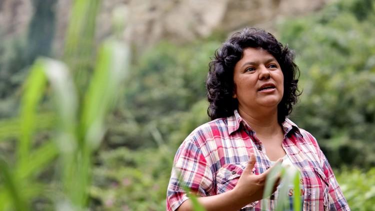A ambientalista Berta Cáceres, líder assassinada em março (Foto Reuters)