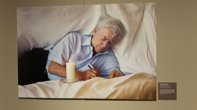 Vargas Llosa capturado pelo fotógrafo (Foto Sylvia Colombo)