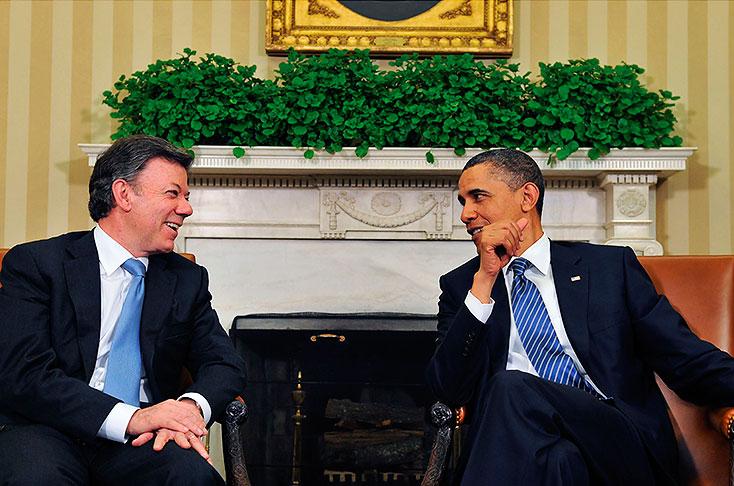 O presidente Juan Manuel Santos e o ex-presidente Barack Obama (Foto Divulgação)